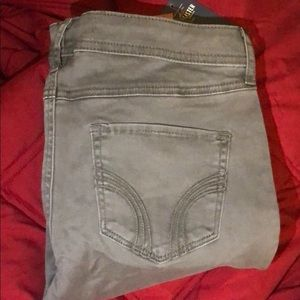HOLLISTER SUPER SKINNY *NWT*